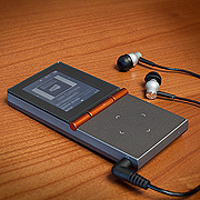 HiFiMan - HM-700 - Portable Music Player w/ RE-600b